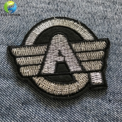 Patch uniformi ricamate